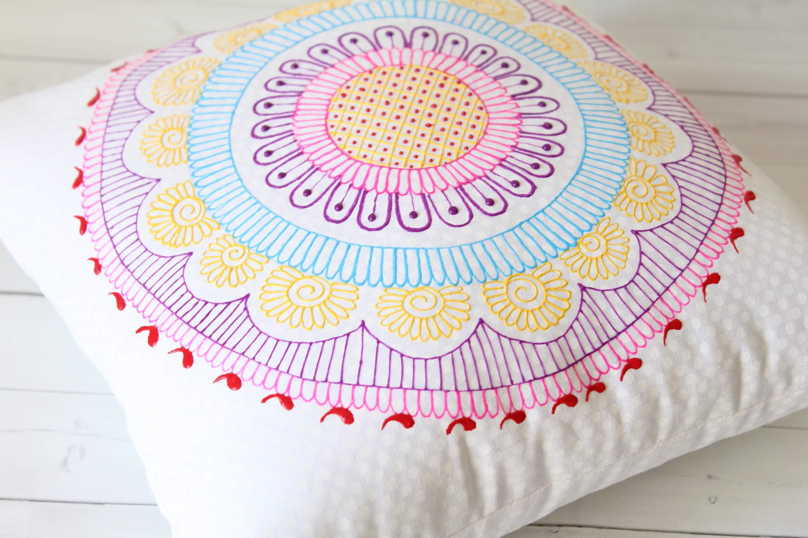 Mandala Pillow - Henna Art